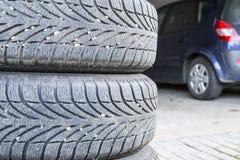 Neumáticos de un coche Fotografía de archivo