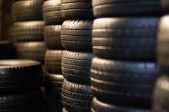 Neumáticos del coche fotografía de archivo
