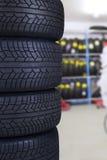Neumáticos en la tienda de los recambios Fotografía de archivo