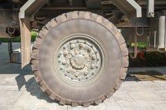 Neumáticos militares del camión Foto de archivo libre de regalías