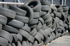 Neumáticos usados Foto de archivo libre de regalías