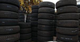 Neumáticos usados, análisis del motor de coche almacen de video