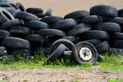 Neumáticos viejos Imágenes de archivo libres de regalías