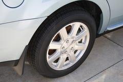 Neumático de coche Imagen de archivo libre de regalías