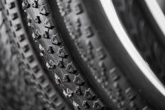 Neumáticos de la bicicleta de diversos protectores Fotografía de archivo libre de regalías