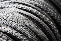 Neumáticos de la bicicleta de diversos protectores Imagen de archivo libre de regalías