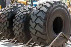 Neumáticos para los camiones y las grúas Imágenes de archivo libres de regalías