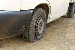 Neumáticos pinchados Foto de archivo