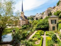 Neumuenster Abtei- und Alzette-Fluss, Luxemburg Stadt, Luxemburg Stockfotos