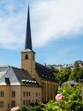 Neumuenster Abtei- und Alzette-Fluss, Luxemburg Stadt, Luxemburg Lizenzfreie Stockfotos