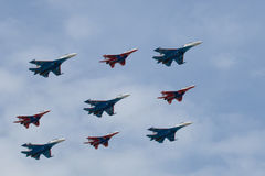 Neun Militärflugzeuge Stockfotos