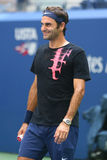 Neunzehn Zeiten Grand Slam-Meister Roger Federer Schweiz übt für US Open 2017 stockbild