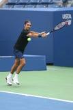 Neunzehn Zeiten Grand Slam-Meister Roger Federer Schweiz übt für US Open 2017 stockfotos
