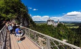 Neuschwanstein Castle, Γερμανία - 30 Ιουνίου 2017: Σημείο εξέτασης επάνω Στοκ φωτογραφία με δικαίωμα ελεύθερης χρήσης