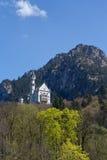 Neuschwanstein slott i vår Arkivfoto
