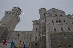 Neuschwanstein slott i vintertid Fussen germany Slapp fokus Arkivfoton
