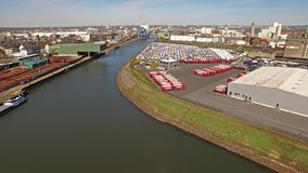 Neuss, Германия - 6-ое апреля 2018: Ansorge работает от гавани города акции видеоматериалы
