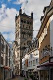 NEUSS TYSKLAND - APRIL 04, 2016: Quirinus Muenster är en berömd kyrka i Neuss Fotografering för Bildbyråer