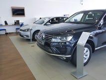 Neuwagen Ukraine Kiew am 25. Februar 2018 in der Darstellung Volkswagen-Autoausstellung Lizenzfreie Stockfotos