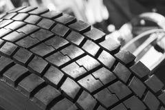 Neuwagenreifen-Nahaufnahmefoto Stockfoto