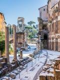 Neva em Roma em fevereiro de 2018, uma vista pitoresca perto do teatro de Marcellus fotos de stock royalty free
