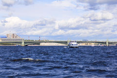 Neva Fluss Lizenzfreie Stockbilder