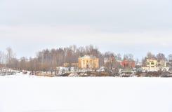 Neva River auf den Stadtränden von St Petersburg Stockfotografie