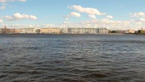 Neva River e cidade St Petersburg, Rússia video estoque