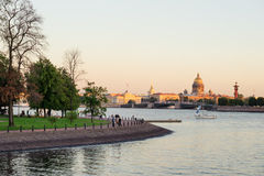 Neva River le soir Photos stock