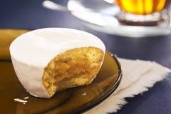 Nevada, ein portugiesisches gefrorenes Gebäck gefüllt mit Ovos-Molen Stockbild