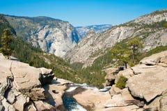 Nevada Falls in het Nationale Park van Yosemite op John Muir Trail stock afbeeldingen