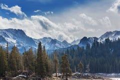 nevada toppig bergskedja Arkivbilder