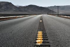 Nevada-Wüstenstraße Lizenzfreie Stockfotos