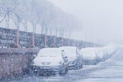 Nevadas en St Petersburg, característica del tiempo del invierno Foto de archivo