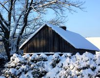 Neve à casa de campo Imagem de Stock