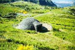 A neve bem no Pico faz Arieiro, em 1.818 m de altura, é o pico o mais alto do ` s terceiro da ilha de Madeira Imagens de Stock
