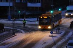 A neve cai em Dinamarca foto de stock