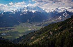 Neve che scompare nelle alpi austriache Fotografie Stock Libere da Diritti