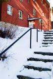 A neve cobriu escadas imagens de stock