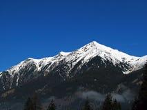 A neve cobriu a montanha Foto de Stock Royalty Free