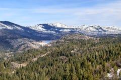 A neve cobriu montanhas Fotografia de Stock Royalty Free