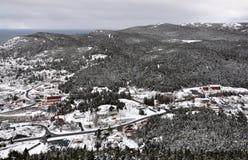 A neve cobriu a paisagem rural Fotos de Stock