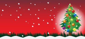 Neve dell'albero e fondo rosso Immagine Stock Libera da Diritti
