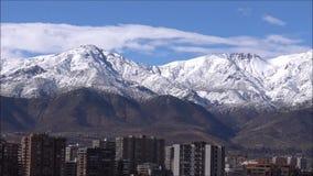 Neve della montagna e paesaggio n Cile archivi video