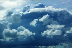 Neve della pioggia della tempesta del cielo della nuvola pesante Immagini Stock Libere da Diritti
