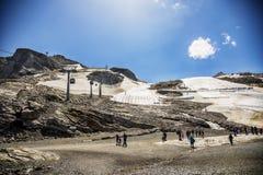 Neve di estate nell'area di montagne dell'austriaco Tirolo Immagine Stock