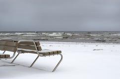 Neve di inverno nella costa di mare, Fotografie Stock Libere da Diritti