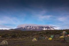Neve di vista superiore di Kilimanjaro Immagini Stock