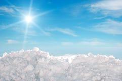 Neve e céu Foto de Stock
