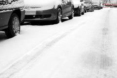 Neve e carros Imagem de Stock Royalty Free